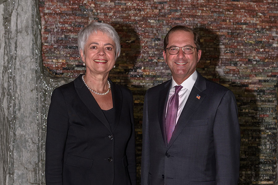 Cornelia Quennet-Thielen, State Secretary at the Federal Ministry of Education and Research, and Alex M. Azar II, United States Secretary of Health and Human Services